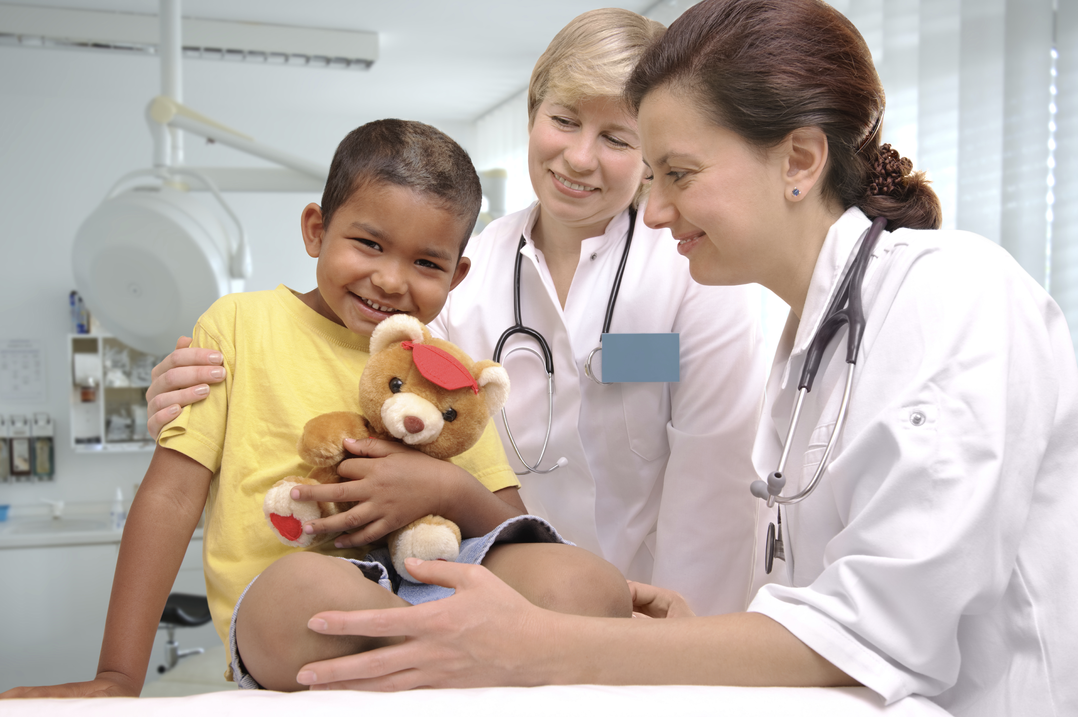 child with doctors